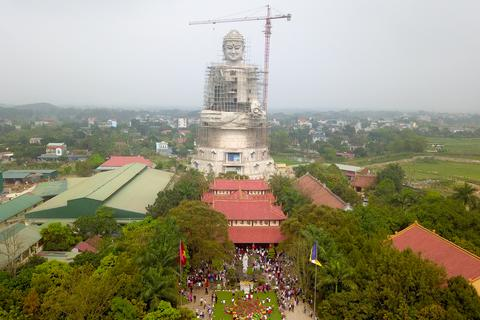 Mục sở thị đại tượng Phật vì hòa bình thế giới lớn nhất Đông Nam Á ở Hà Nội