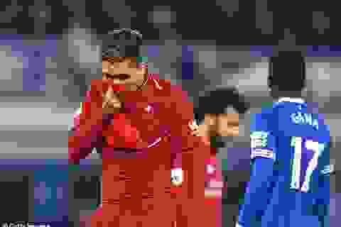"""""""Căn bệnh cũ"""" sẽ khiến Liverpool """"vứt đi"""" cả mùa giải?"""