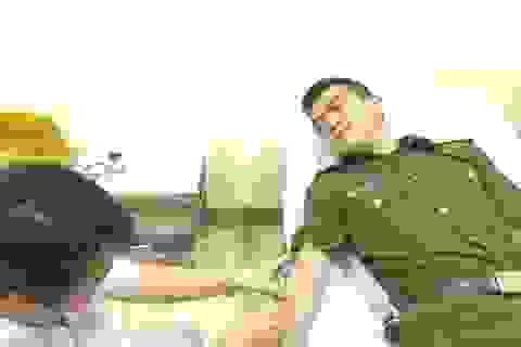 Hai chiến sĩ công an kịp thời hiến máu cứu bệnh nhân qua cơn nguy kịch