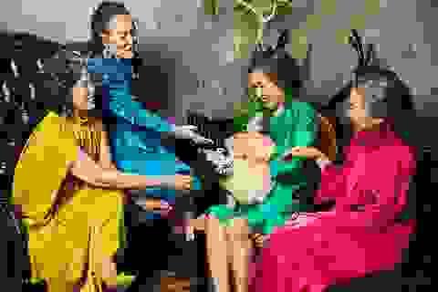 """Bộ ảnh ý nghĩa về tình bạn vượt thời gian của """"những cô gái trẻ với một vài nếp nhăn"""""""