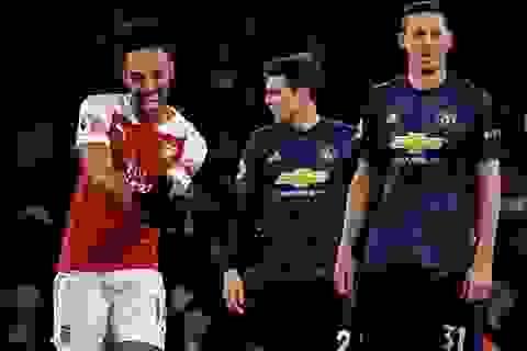 Arsenal 2-0 Man Utd: Trả giá vì những sai lầm