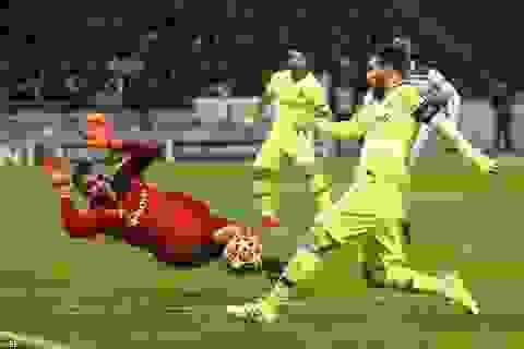 Barcelona - Lyon: Tìm vé vào tứ kết