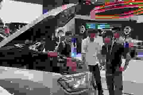"""Chuyên gia khuyên tăng thuế ô tô để bảo vệ môi trường, doanh số xe hơi đột ngột giảm """"sốc"""""""