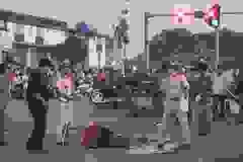 Hoãn phiên tòa xét xử tài xế lái xe khách dùng bằng giả, tông chết 2 bé gái