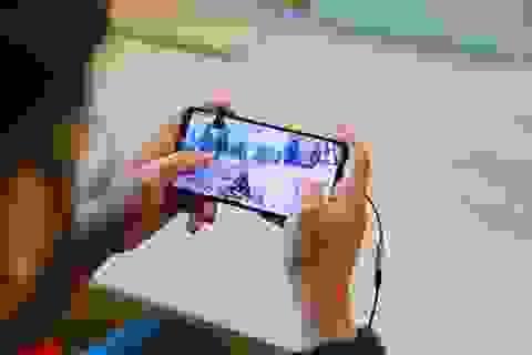 10 sinh viên bị cảnh sát bắt giữ vì... chơi game trên smartphone