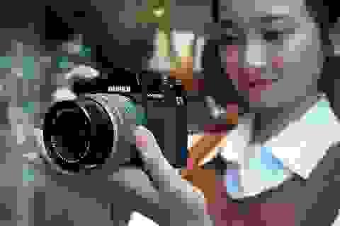 Trên tay Fujifilm X-T30, bản rút gọn của X-T3 giá 21,6 triệu đồng