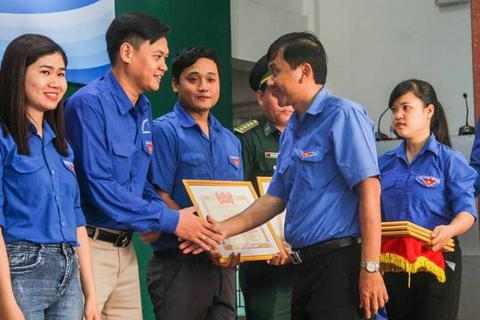 """Tuyên dương 10 """"Thủ lĩnh thanh niên"""" tiêu biểu tỉnh Bình Định"""