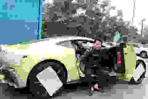 Mua 1 lúc 2 siêu xe 30 tỷ: Siêu giàu Việt chịu chơi, sếp Tây ngã ngửa