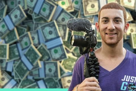 Chàng trai kiếm bộn tiền nhờ đi du lịch