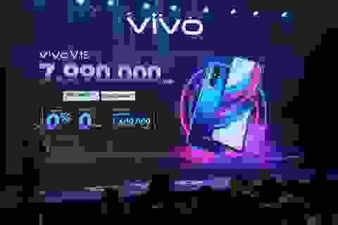 Quang Hải bất ngờ xuất hiện tại sự kiện ra mắt smartphone camera ẩn Vivo V15