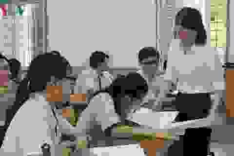 Cuồng điểm số, không thể chỉ đổ lỗi cho giáo viên