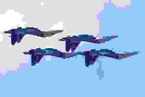 Máy bay quân sự Nga phô diễn sức mạnh tại triển lãm hàng không