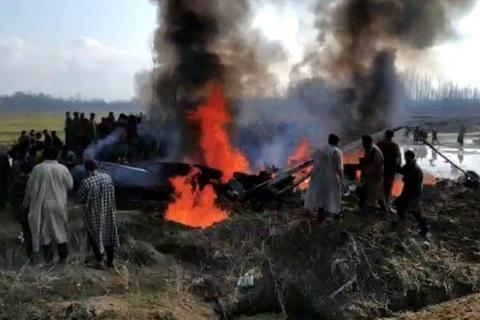 """Tên lửa Ấn Độ bắn nhầm trực thăng """"quân mình"""""""