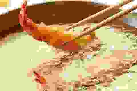 Tái sử dụng dầu ăn có thể kích hoạt ung thư vú lây lan
