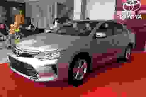 """Dọn kho Camry để đón xe nhập: Toyota hết """"mặn mà"""" lắp ráp xe tại Việt Nam?"""