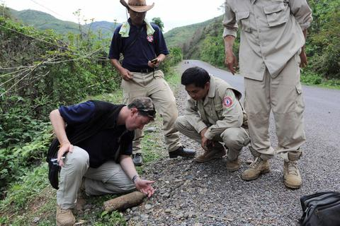 Mỹ hỗ trợ Việt Nam 15 triệu USD để rà phá bom mìn trong năm 2019