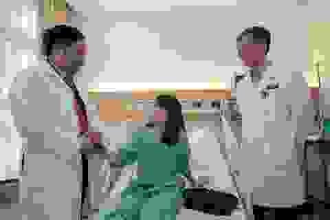 Thay tim nhân tạo cứu sự sống của cô điều dưỡng trẻ