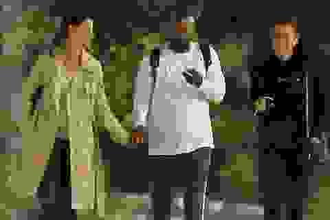 Katie Holmes xuất hiện bên con riêng của bạn trai