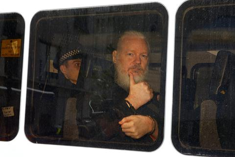 Lý do Ecuador cho phép Anh bắt ông chủ WikiLeaks