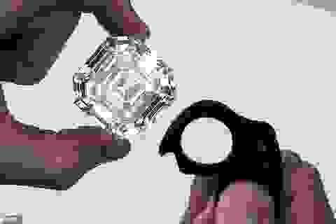 """Viên kim cương """"lớn nhất, trong nhất"""" đắt giá tới mức... không thể định giá"""