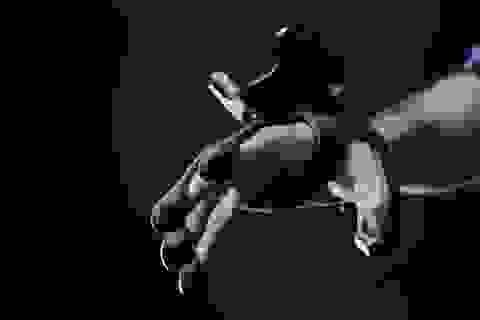 Đôi găng tay cho phép chúng ta cầm nắm đồ vật trong thực tế ảo!