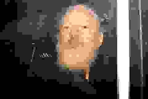 """Nhà sáng lập WikiLeaks bị """"tố"""" đưa các tin tặc vào Đại sứ quán Ecuador"""