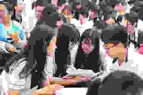 Tuyển sinh vào lớp 10 ở Hà Nội: Cần thiết công khai phổ điểm