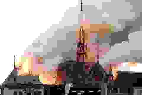 Tranh cãi dữ dội các khoản đóng góp hàng tỷ USD tái thiết Nhà thờ Đức Bà