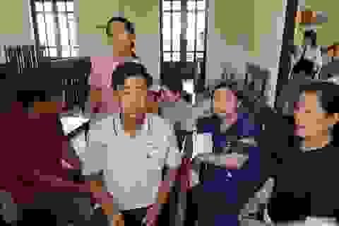 Vụ 12 GV kiện Phòng Giáo dục: Không đồng ý với bản án sơ thẩm, 12 GV kháng cáo