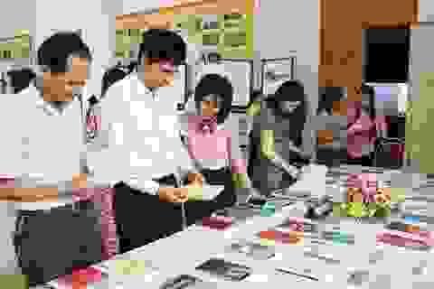 Trao hơn 200 suất học bổng đến học sinh nghèo nhân Ngày Sách Việt Nam