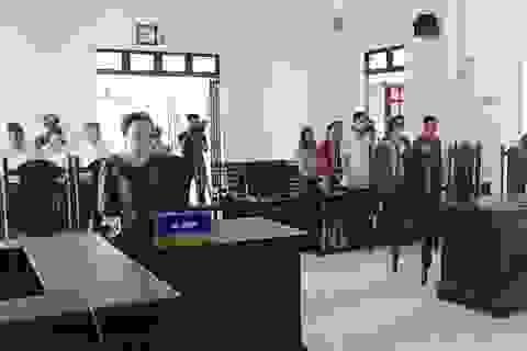 """Vụ 12 giáo viên kiện phòng giáo dục: """"Bản án quá bất công…chúng tôi sẽ kháng cáo!"""""""