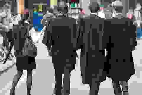 Anh: Hàng nghìn thí sinh có kết quả thấp hơn 3 điểm E kỳ thi A-level vẫn trúng tuyển đại học