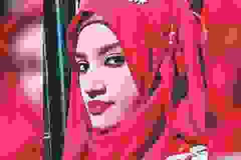 """""""Tố"""" thầy hiệu trưởng quấy rối tình dục, nữ sinh Bangladesh bị thiêu chết"""