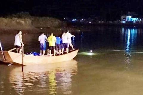 Rủ nhau tắm sông, hai học sinh cấp 3 đuối nước tử vong