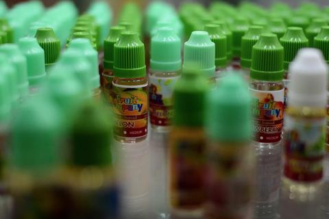 Thuốc lá điện tử có thể bị nhiễm độc tố vi sinh vật