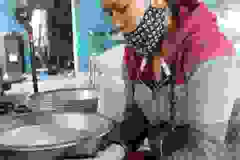 Cô gái trẻ bỏ phố về quê khởi nghiệp, làm giàu bằng nghề làm bánh truyền thống
