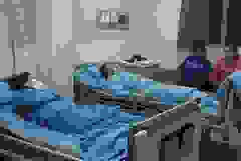 Sau bữa ăn chay, 17 công nhân nhập viện cấp cứu