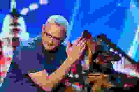 Người khó tính nhất cũng rơi nước mắt vì chú chó xả thân cứu chủ