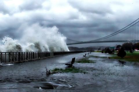 Những con sóng lớn nhất đại dương đang trở nên lớn hơn