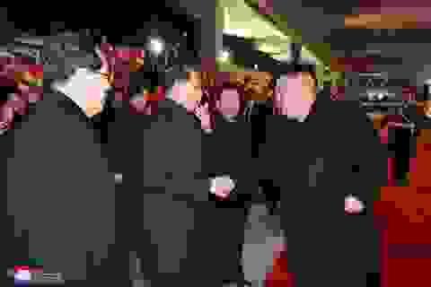 Video người Triều Tiên bật khóc khi đón ông Kim Jong-un từ Nga về nước