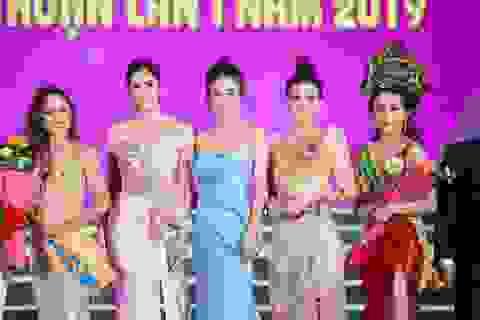"""Tiểu Vy, Phương Nga, Thuý An """"tướt mồ hôi"""" tìm sứ giả du lịch cho Ninh Thuận"""