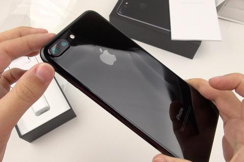 "iPhone XS Max ế ẩm, iPhone 7, 7 Plus mới ""chiếm top"" dịp lễ 30/4"