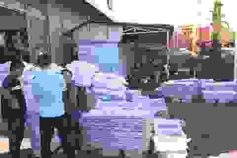 """Hải quan phát hiện 5 container chở hàng nội thất """"nhập lậu"""" từ Trung Quốc"""
