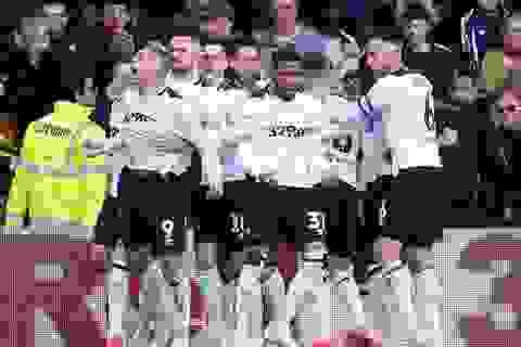 Norwich vô địch, Lampard tranh vé vớt thăng hạng Premier League