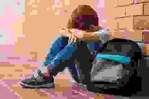 Vấn nạn bắt nạt học đường: 1.300 gia đình Anh đăng ký chuyển trường cho con