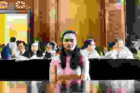 Hotgirl Ngọc Miu bật khóc đòi gặp con tại tòa