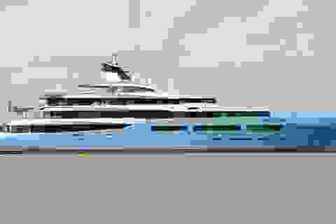 Cận cảnh siêu du thuyền triệu đô lướt sóng trên sông Hậu