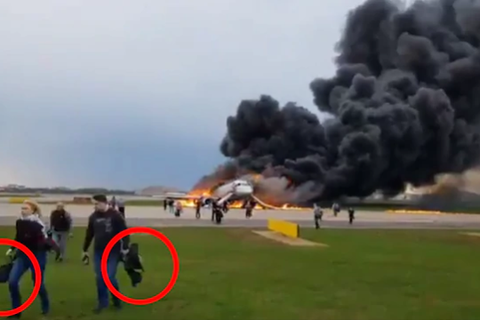 Hành khách lên tiếng về những người lấy hành lý khi thoát hiểm máy bay Nga