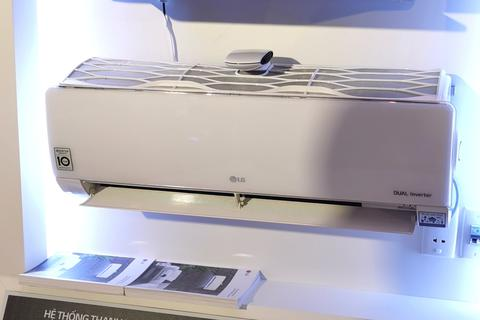 LG trình làng mẫu máy lạnh tích hợp máy lọc không khí tại Việt Nam