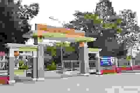 Nguyên hiệu trưởng trường THPT Thủ Thừa bị bắt